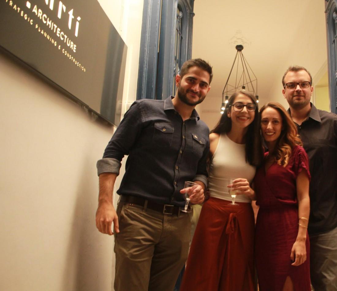 parti architecture, team of architects, one year celebration party. Η ομάδα των αρχιτεκτόνων στη γιορτή για τον ένα χρόνο λειτουργίας στο αρχιτεκτονικό γραφείο μας στα Χανιά.